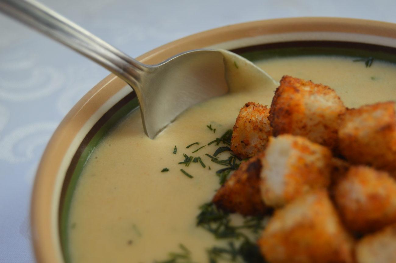 Крем супа от картофи с крема сирене и копър