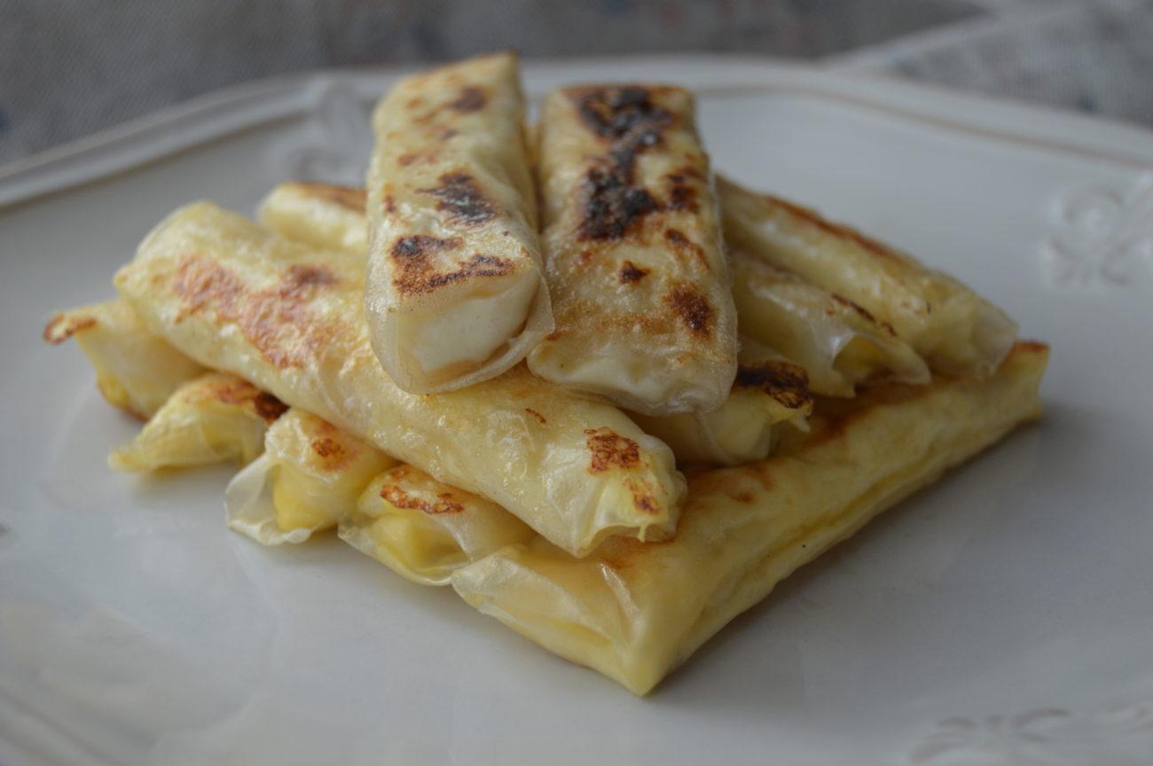 Оризови банички с яйце, сирене и извара
