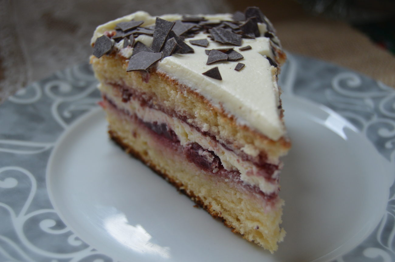 Лека ванилова торта с маскарпоне